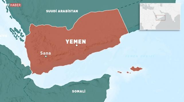 Yemende yerlerinden edilenleri sel vurdu