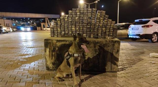 Minibüsün yakıt deposunda 104 kilogram uyuşturucu ele geçirildi