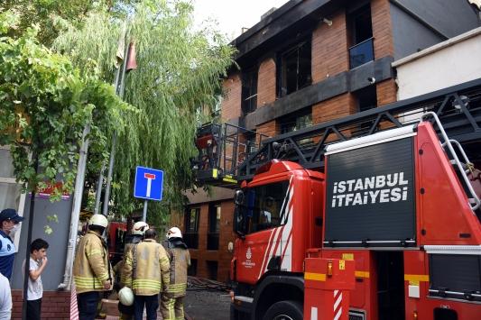 Beyoğlunda evde çıkan yangın söndürüldü