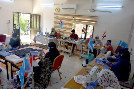 Kerkükteki Türkmen kadınlar, ürettikleri maskelerle Kovid-19 ile mücadeleye destek oluyor