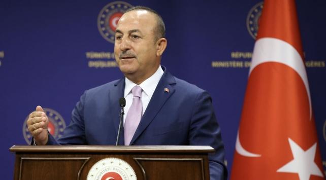 Bakan Çavuşoğlu: Türk bayrağını yakmak gibi aciz davranışlar Yunanistana yakışır