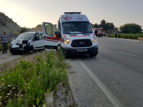 Osmaniyede trafik kazası: 3 yaralı