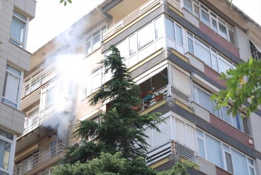 Kadıköyde yangına müdahale eden kişi yaralandı