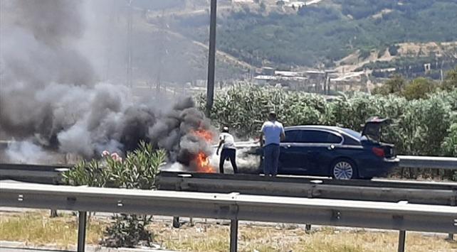 Hareket halindeki otomobilde yangın