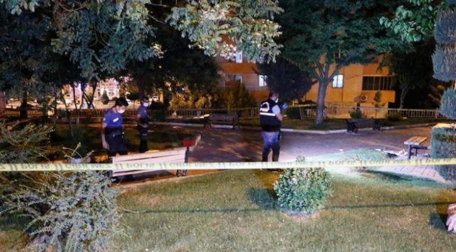 Şanlıurfada parkta oturan aileye silahlı saldırı: 1 ölü, 1 yaralı