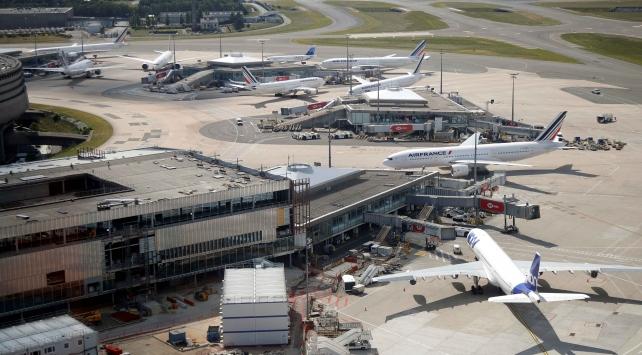 Paristeki havalimanını büyütme planına koronavirüs engeli