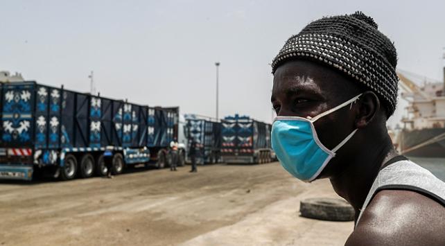 Afrikada COVID-19 vaka sayısı 860 bini aştı