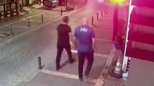 Türk bayrağını yere attığı iddia edilen kişi tutuklandı