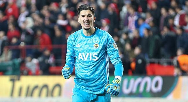 Fenerbahçede istikrarlı Altay, hırçın Ozan