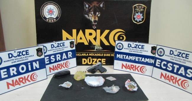Anadolu Otoyolunda durdurulan araçta uyuşturucu bulundu