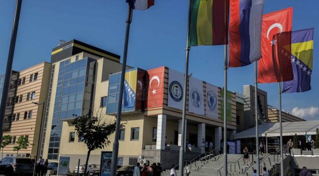 """Uluslararası Saraybosna Üniversitesi, 4üncü kez Bosna Hersekin """"en iyi özel üniversitesi"""" seçildi"""