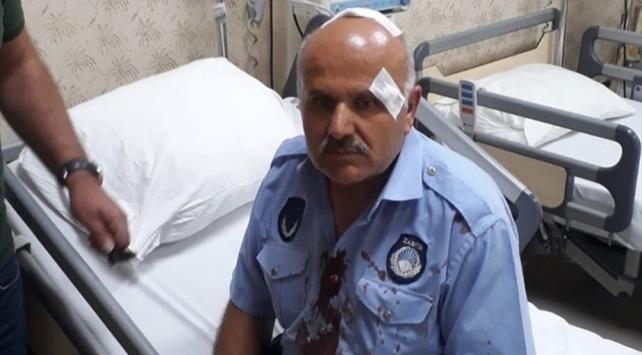 Vanda seyyar satıcılar zabıtalara saldırdı: 3 yaralı