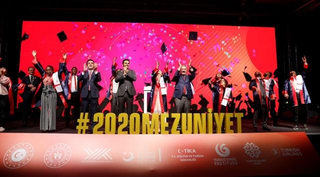 YTBde mezuniyet heyecanı: Uluslararası öğrenciler diplomalarını aldı