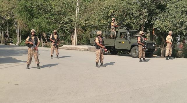 Pakistan askeri sınır ötesi saldırıda öldü