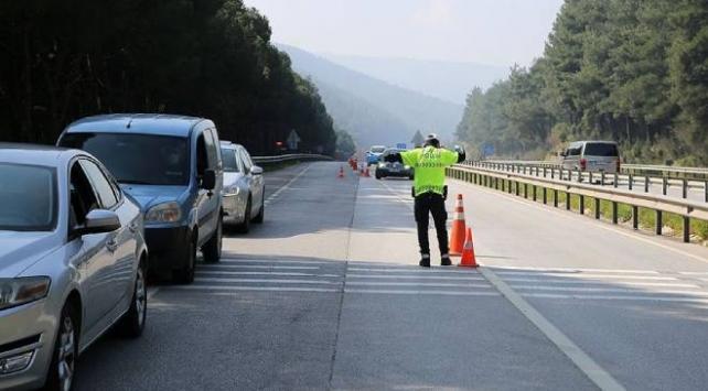 Bayram dolayısıyla sıkı trafik tedbirleri uygulanmaya başlandı