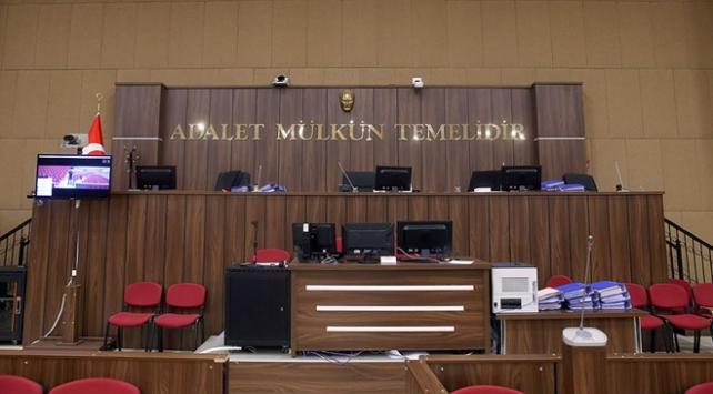İstanbuldaki kilise haçını söken sanığa hapis cezası