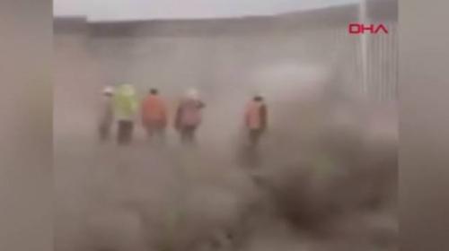 Hanna Kasırgası, Trump'ın Meksika sınırına kurduğu duvarı yıktı