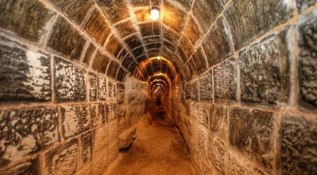 Tarihi Gaziantep Kalesinde tüneller ve su alanı bulundu