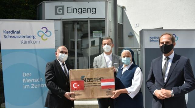 Türkiyeden Avusturyaya maske yardımı