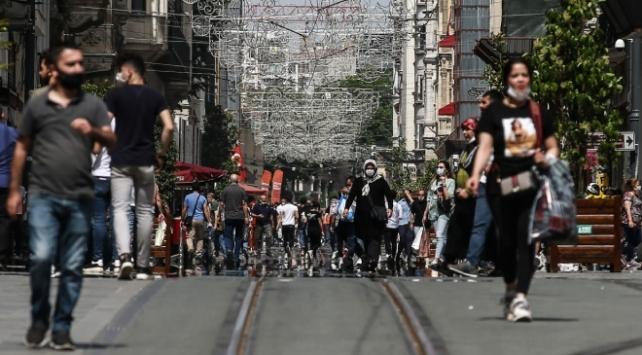 Türkiyede iyileşenlerin sayısı 212 bin 557ye yükseldi