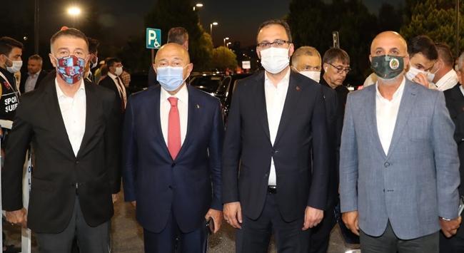 Bakan Kasapoğlu Ahmet Ağaoğlu ve Hasan Çavuşoğlu ile bir araya geldi
