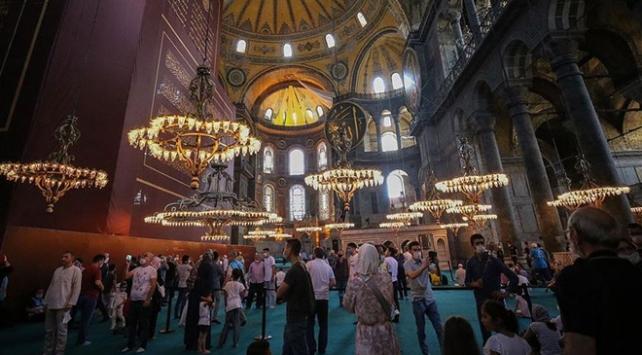 Ayasofya Camiinde arife günü yoğunluğu