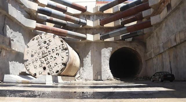 En uzun demir yolu tünelinde çalışmalar sürüyor