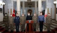 Bakan Akar, Yunanistan ve Bulgaristan sınırında birlikleri denetledi