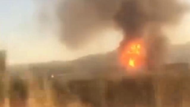 Manisa'da bir geri dönüşüm tesisinde yangın çıktı