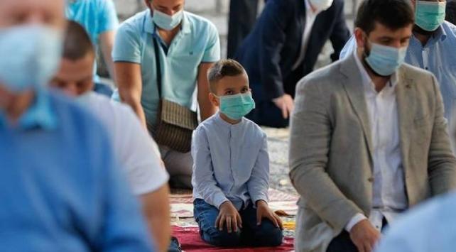 Müslümanlar Kurban Bayramına COVID-19 gölgesinde girdi