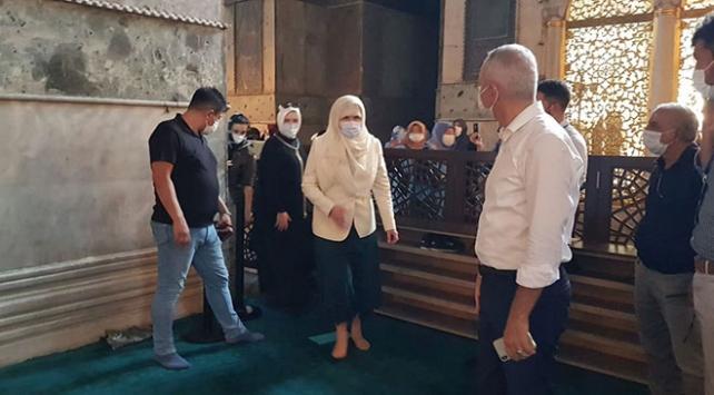Meral Akşener Ayasofya Camiini ziyaret etti