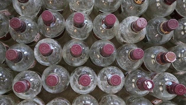Hindistanda sahte içkiden ölenlerin sayısı 86ya yükseldi