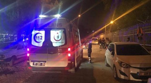 Adanada çarpışan oto kavgası: 4 yaralı