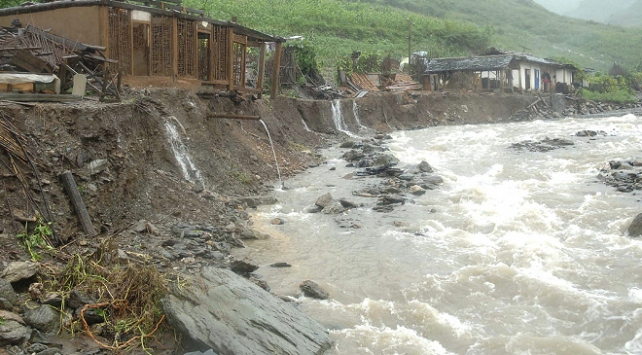 Güney Korede şiddetli yağış: 5 ölü, 7 kayıp