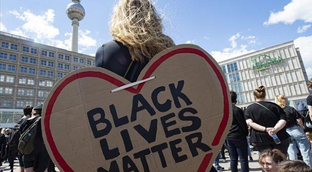 Irkçılık protestoları kozmetik sektörünü de etkiledi