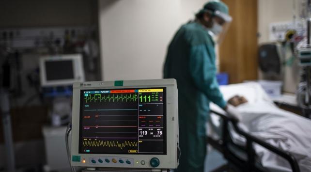 Son 24 saatte 978 hasta iyileşti, 18 kişi hayatını kaybetti