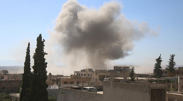 İdlibe hava saldırıları: 3 ölü