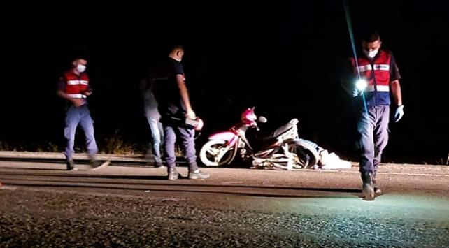 Ispartada kamyonet ile motosiklet çarpıştı: 2 ölü
