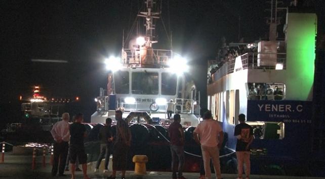 Arabalı yolcu gemisi arıza yaptı, yüzlerce yolcu denizin ortasında mahsur kaldı