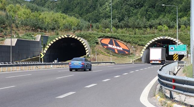 Bolu Dağı Tünelinden bayramda 621 bin 736 araç geçti
