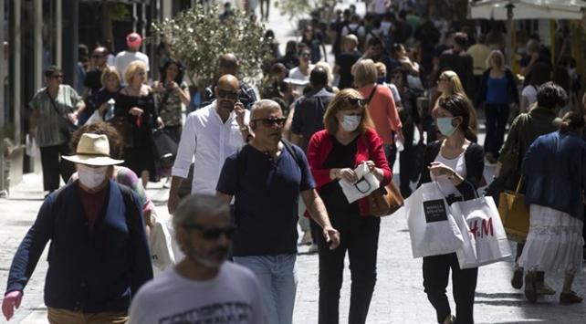 Yunanistan Covid-19 tedbirlerini artırıyor
