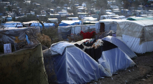 Yunanistanda sığınmacıları taşıyan araç kaza yaptı: 10 ölü