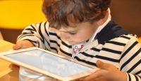 """""""Teknolojiyi kontrolsüz kullanan çocuklar obez oluyor"""""""