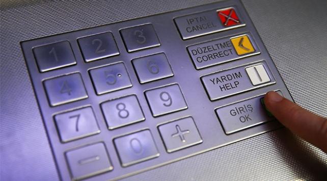 ATMlerde kart kopyalama aparatıyla para çeken 2 kişi yakalandı