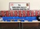Kamyonet kasasının altına gizlenmiş 244 kaçak telefon ele geçirildi