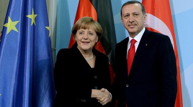 Merkelden Erdoğana tebrik telefonu