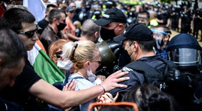 Bulgaristanda hükümet karşıtı protestolar sürüyor
