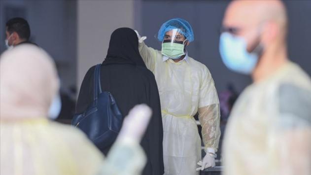 Mısırda COVID-19dan ölenlerin sayısı 5 bine yaklaştı