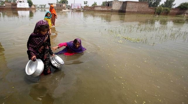 Pakistanda muson yağmurları 57 can aldı