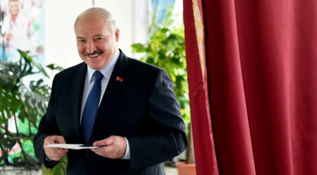 Belarusta cumhurbaşkanlığı seçimin galibi Lukaşenko